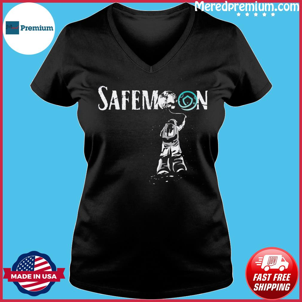 Official Safemoon Crypto Astronauts 2021 Funny Bitcoin Shirt Ladies V-neck